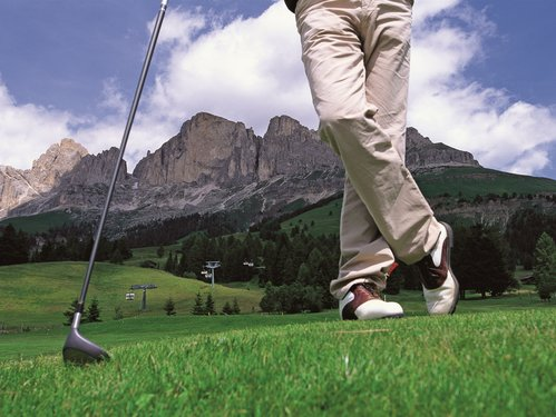 Golfing under the Rosengarten/Catinaccio | © Golf & Cuntry Carezza