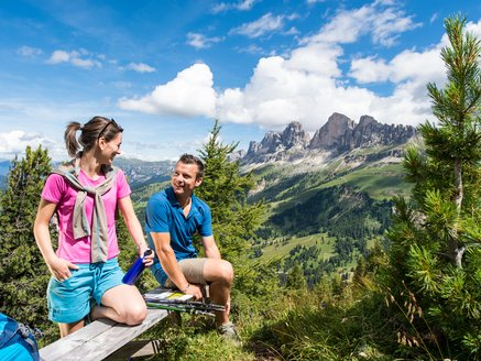 Hike to the Poppekanzel/Pulpito with view to the Rosengarten