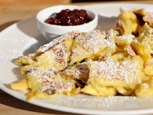 """Kaiserschmarrn"" with cranberry jam"